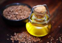 флакон с льняным маслом